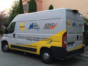 Manet utilise des véhicules à grandes capacité pour les gros travaux de nettoyage dans le var comme dans les alpes maritimes