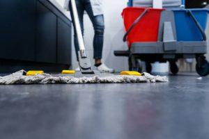 Manet entretient son matériel pour le meilleur nettoyage possible